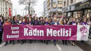 """""""İzmir kadının yanında olmaya devam edecek"""""""