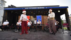 Bursalılar, 'Gezici Sahne' ile moral depoluyor