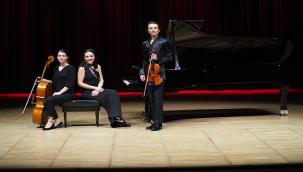 Nova Trio, CRR YouTube Kanalında Müzikseverlerle Buluştu
