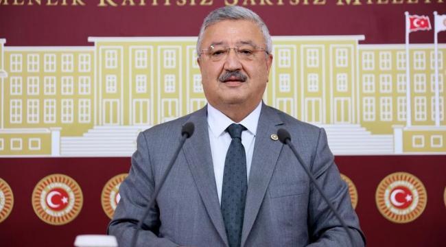 "AK Parti İzmir Milletvekili Necip Nasır ""Deprem siyaset üstü bir konudur"""