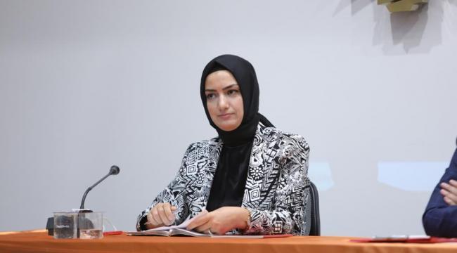 AK Partili Büyükdağ'dan, CHP'li İlçe Başkanın kadın görselli paylaşımına tepki